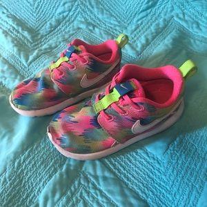 🌈Toddler 8c Girls Nike's, EUC